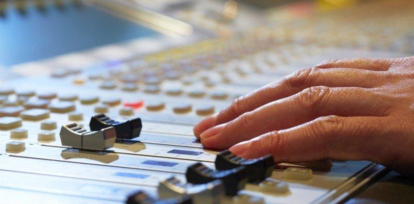 Waarom muziekfestivals maximaal 100 dB mogen produceren