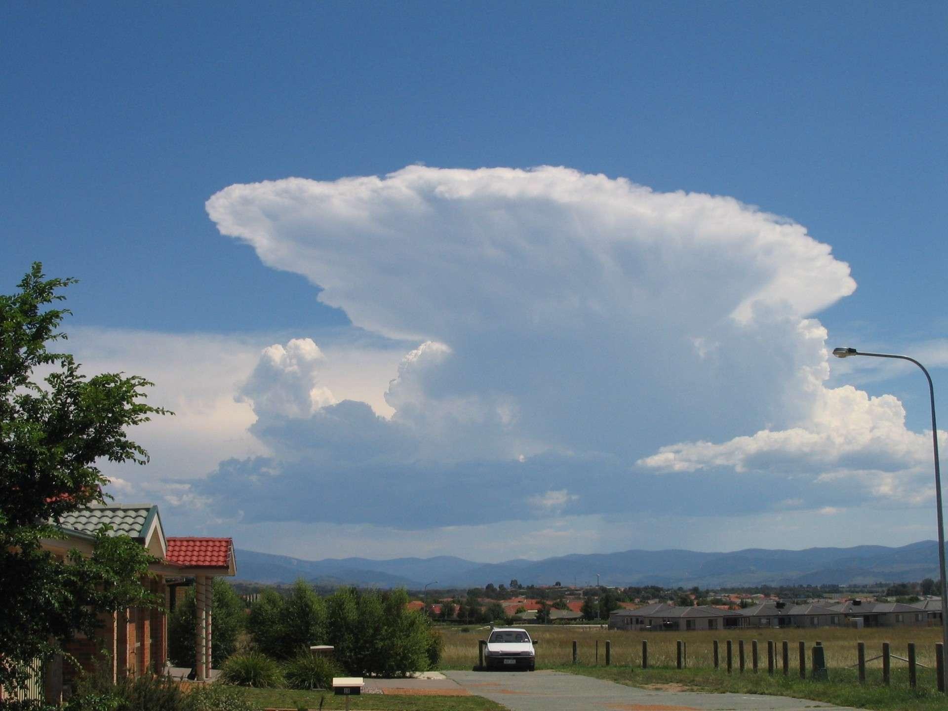 Cumulonimbus incus cloud