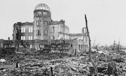 #FFF Het einde van de Tweede Wereldoorlog