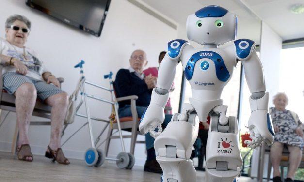 Kunnen robots vergeetachtige ouderen helpen?